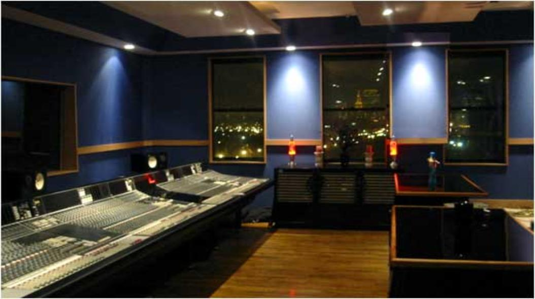 SSL_Console_CloserLook_Recording-1054x589